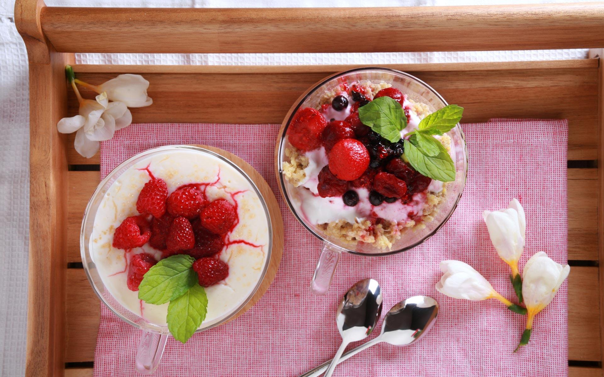 Kasza jaglana z owocami vs. Kasza manna z owocami