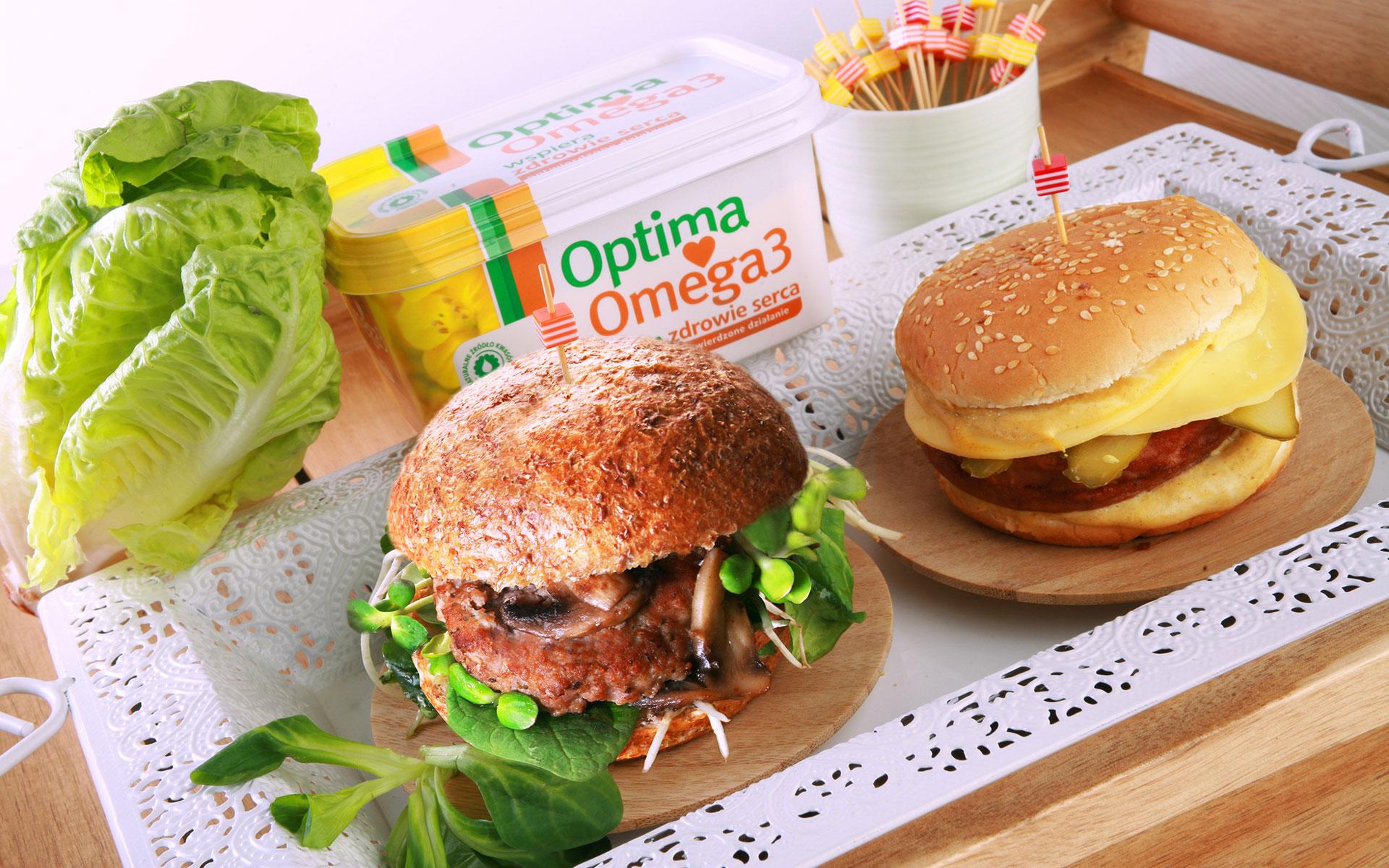Burger z indyka z warzywami vs. Burger z mięsa wieprzowego