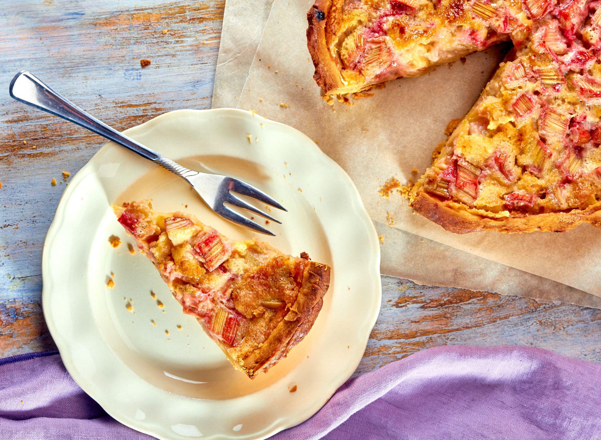 Ciasto z rabarbarem - przepisy z rabarbarem