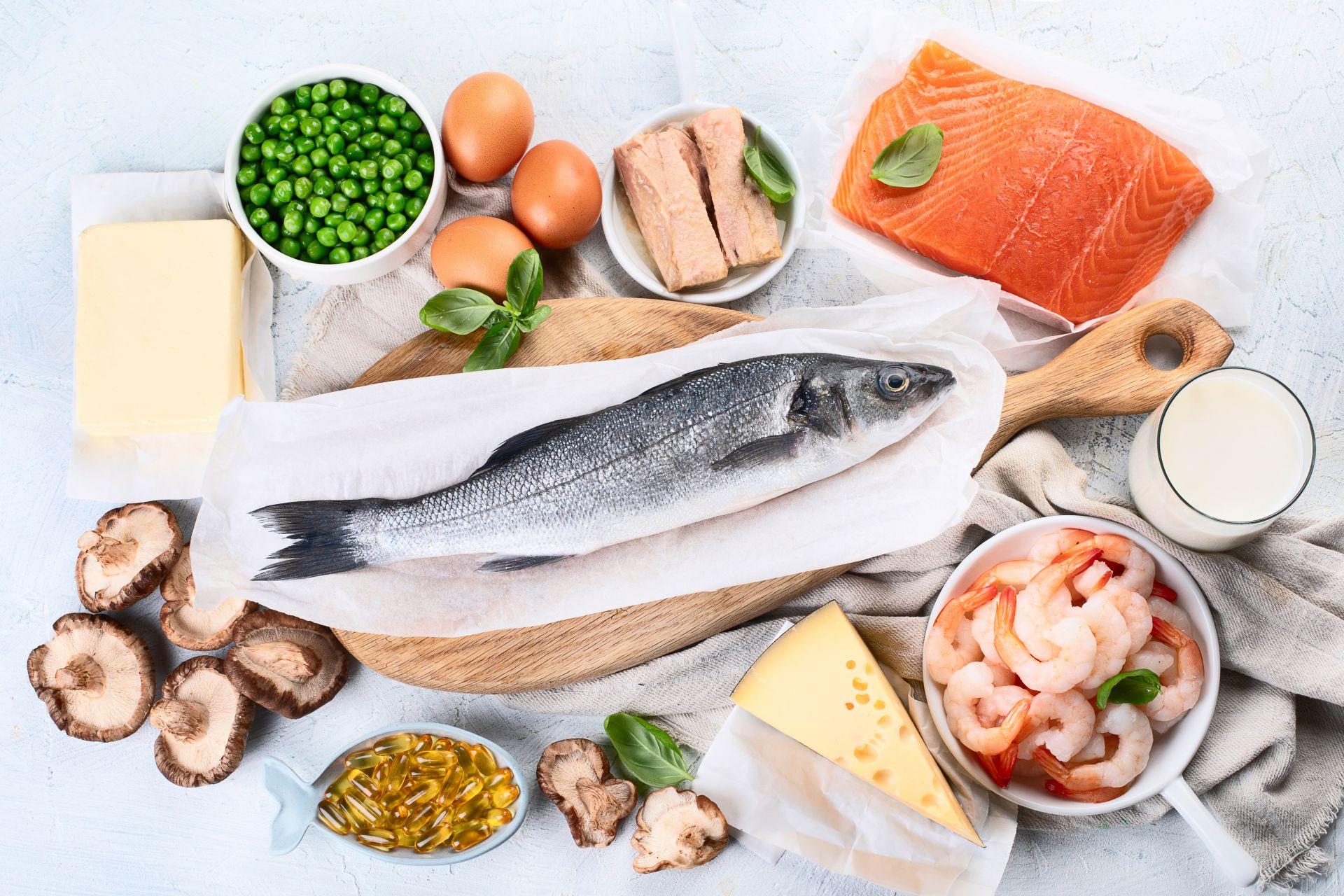 Kwas DHA i kwasy Omega-3 są niezbędne w diecie zimowej - co jeść zimą, aby zapewnić te składniki odżywcze? Wybieraj ryby morskie, algi, orzechy oraz margaryny prozdrowotne, które zostały wzbogacone o wymienione składniki. Sprawdź, jak przygotować posiłki na zimę.