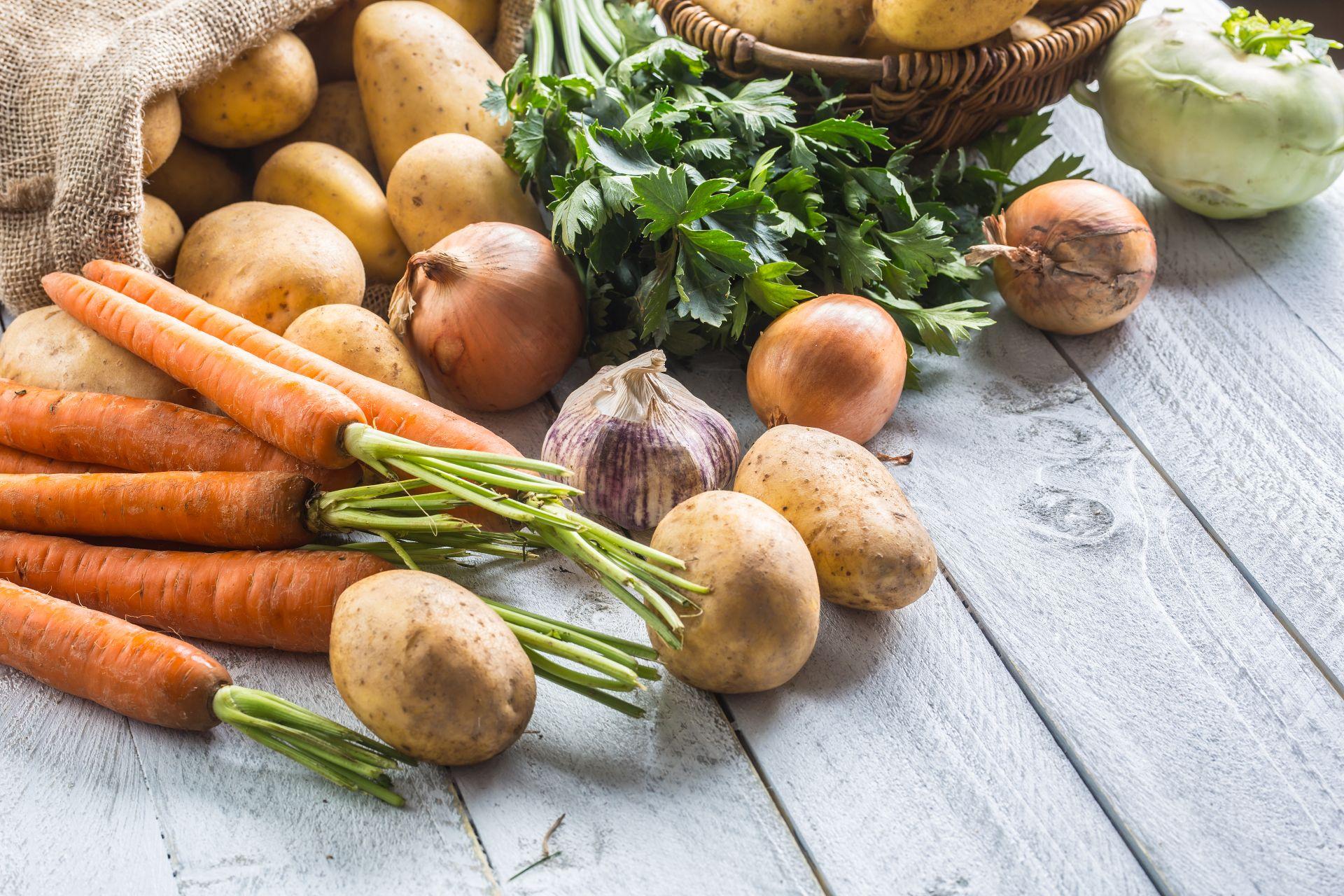 Co jeść zimą, aby czuć się dobrze? Jakie warzywa i owoce wybierać, aby czerpać z nim najwięcej składników odżywczych? Wzbogacaj dietę zimową o kwas DHA, kwasy Omega-3 i sterole roślinne.