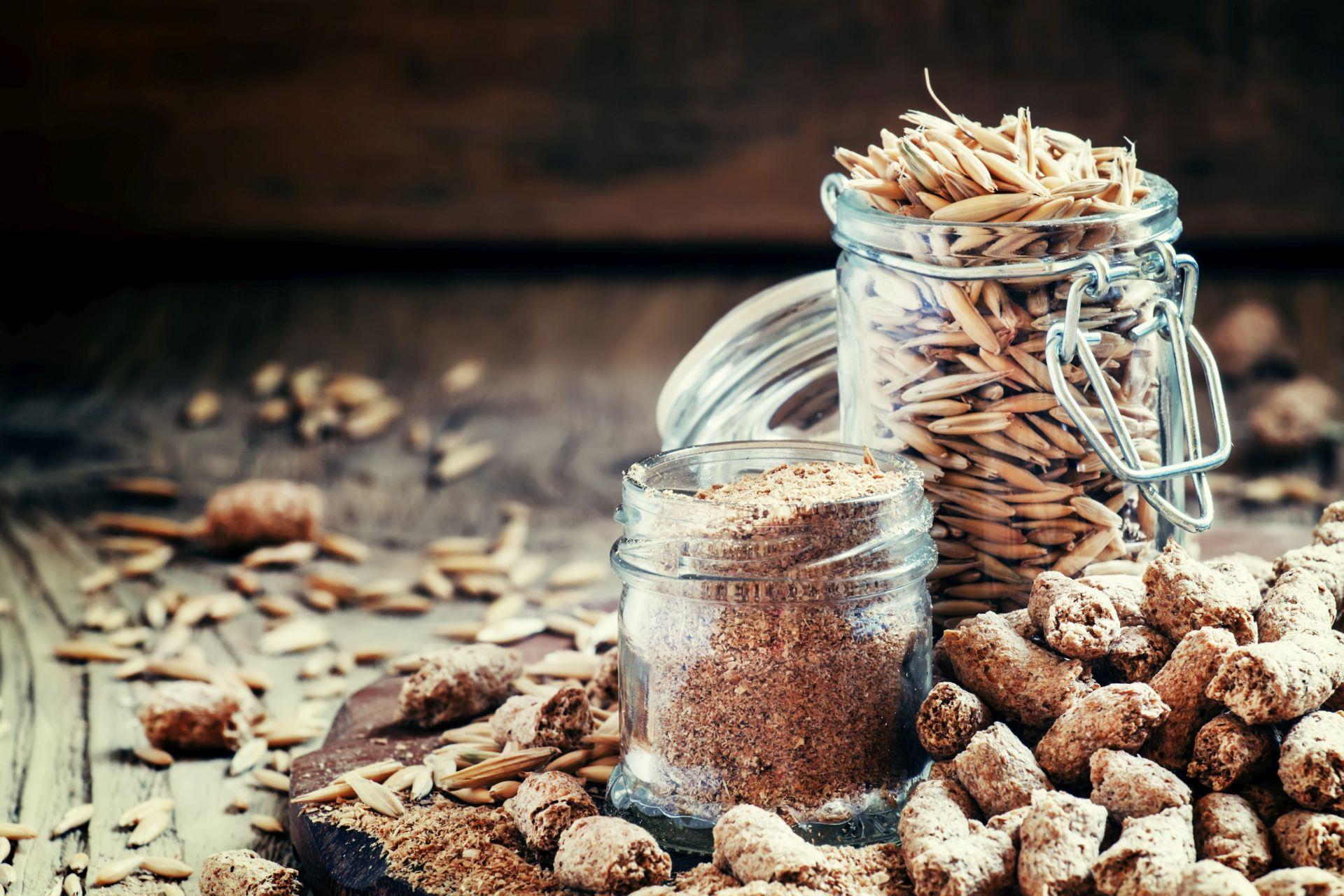 Owsianka bogata w błonnik wspiera pracę serca, układu krążenia, obniżanie cholesterolu i ciśnienia.