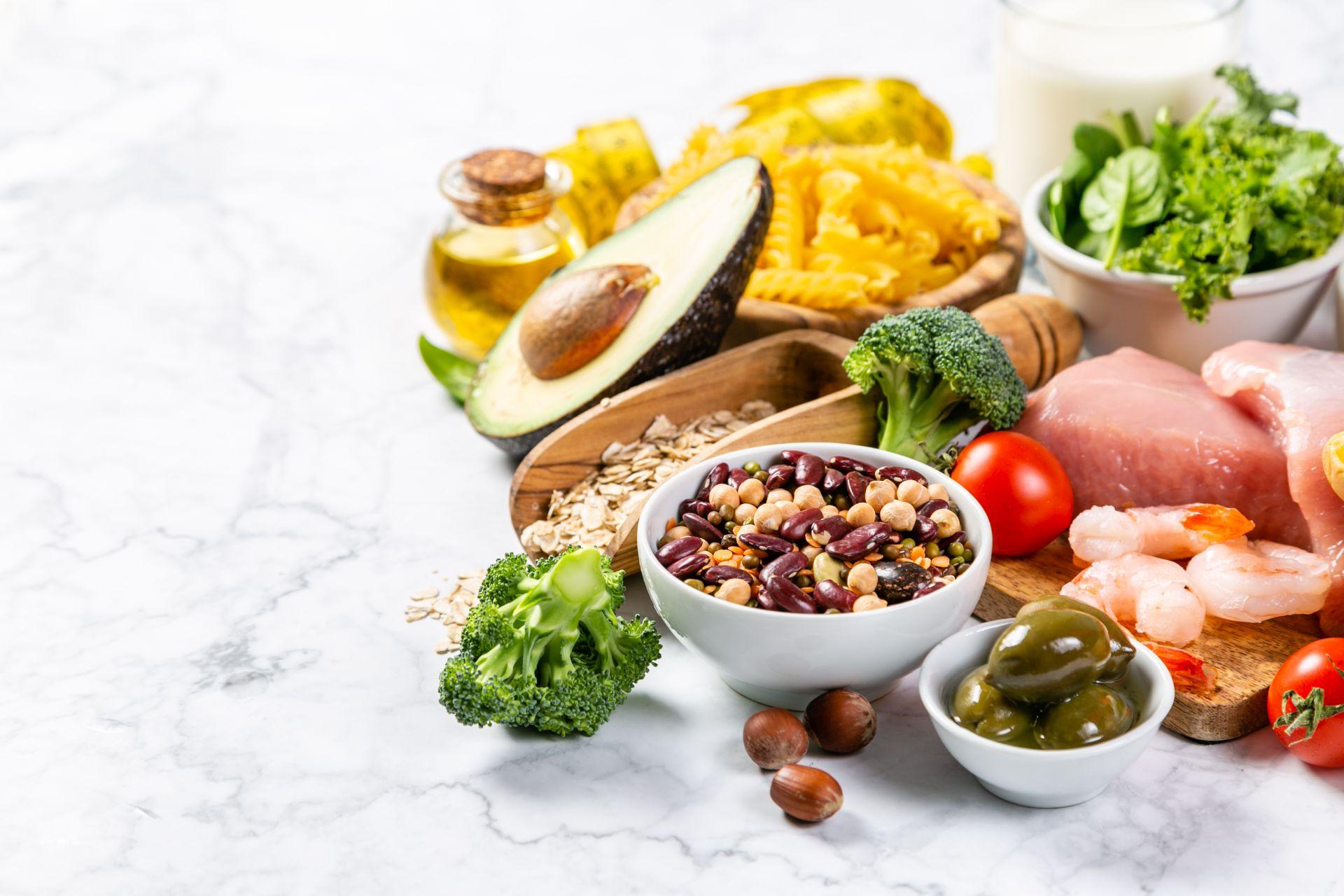 Dieta na nadciśnienie - dieta DASH pomaga obniżać ciśnienie bez leków oraz obniżać stężenie cholesterolu we krwi.