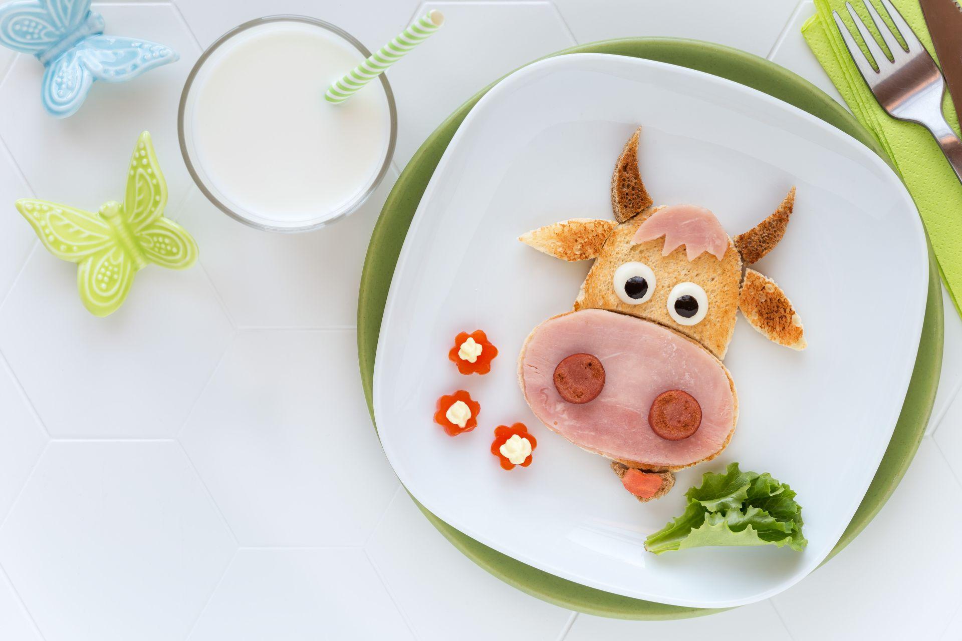 Dieta dla nastolatków i dzieci - jak komponować posiłki, aby były zdrowe, nie wiały nudą i zawierały potrzebne do ich rozwoju składniki odżywcze?