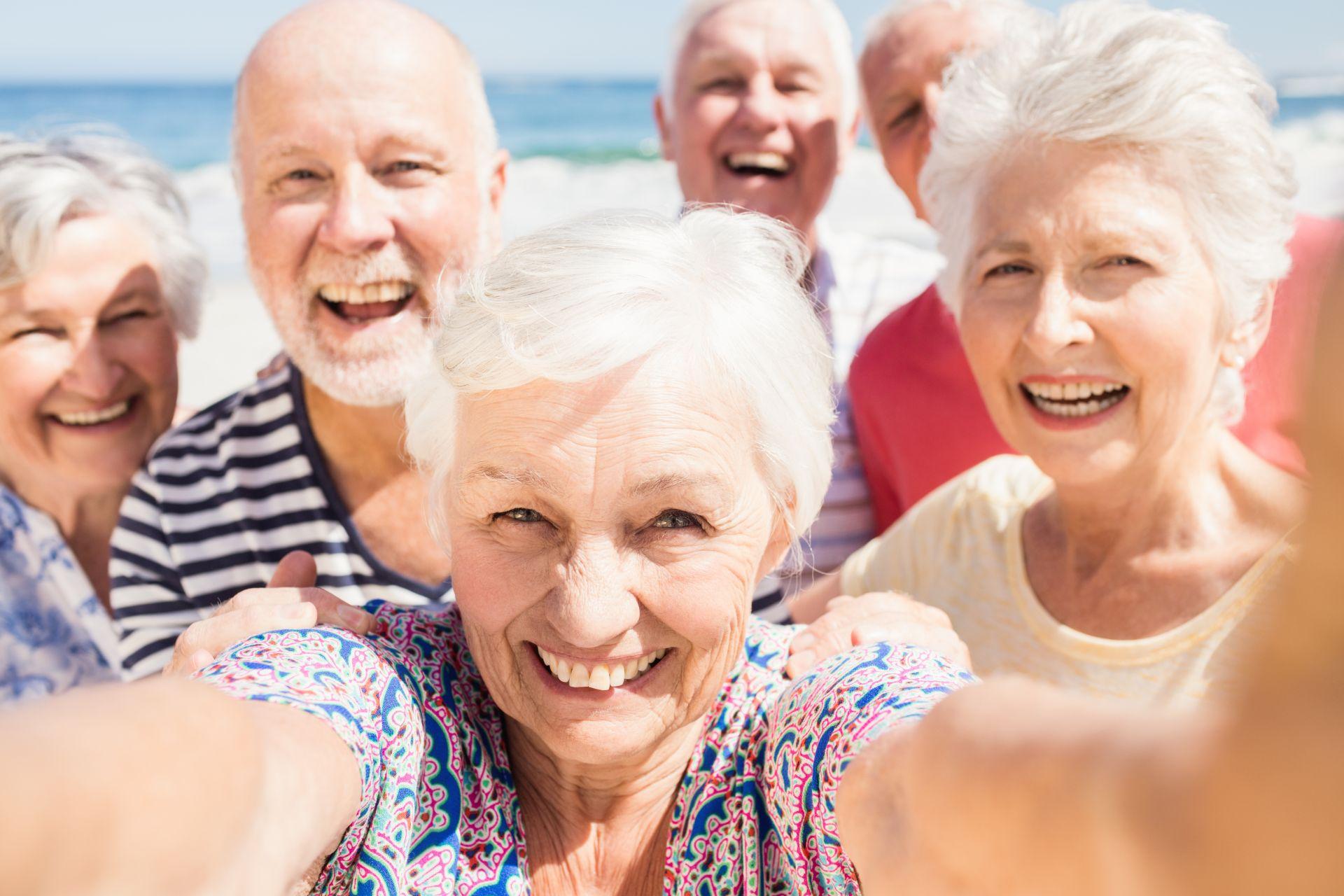 Ciesz się zdrowiem po sześćdziesiątce! Badaj się, poprawiaj samopoczucie i wprowadź dietę dla seniora bogatą w zdrowe tłuszcze, sterole roślinne obniżające wysoki poziom cholesterolu LDL.