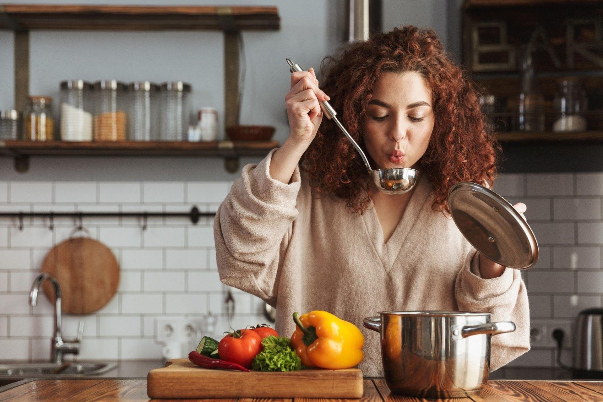 Zupy warzywne w diecie dr Dąbrowskiej - jakie warzywa wybierać, aby nie doprowadzić do niedoboru pokarmowego?