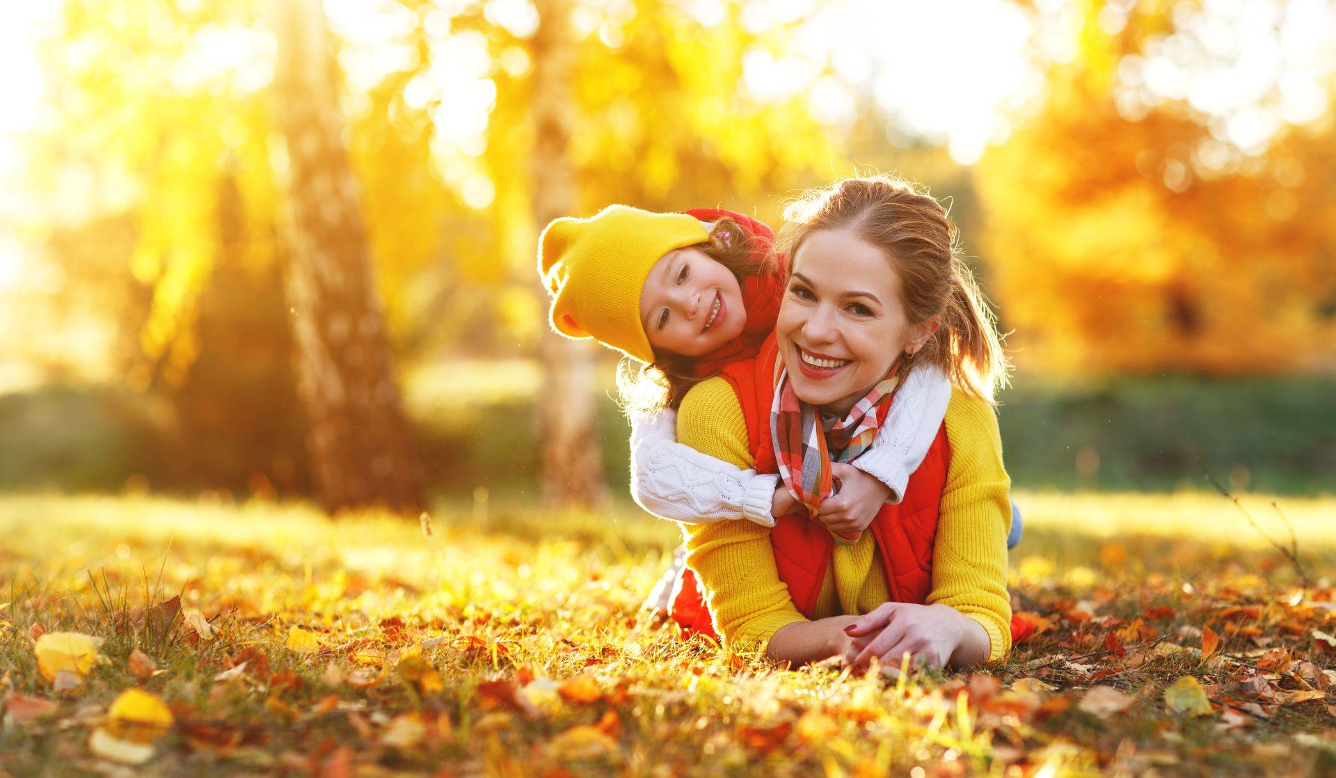 Dieta jesienna bogata w składniki odżywcze, witaminy, żelazo, cynk, kwas DHA i EPA, kwasy tłuszczowe Omega-3 pomoże wzmacniać odporność przez cały rok. Sprawdź jak powinna wyglądać dieta na odporność dla dorosłych, dzieci, kobiet w ciąży i osób starszych.