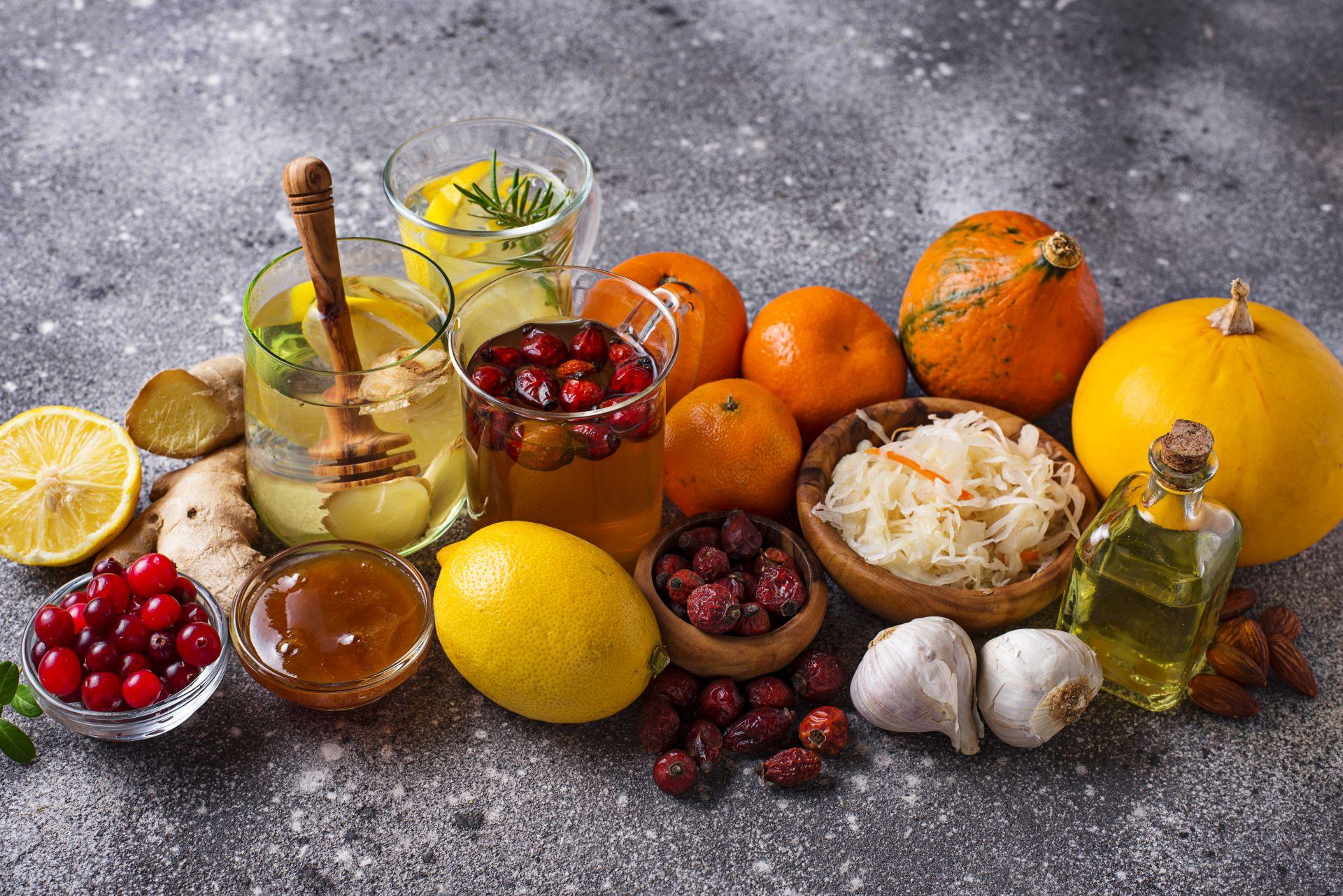 Dieta jesienna na odporność powinna być zbilansowana i zawierać dużo kwasów tłuszczowych Omega-3, kwasów DHA i EPA, witamin i składników odżywczych, które pozytywnie wpłyną na wzmocnienie organizmu. Jak powinno wyglądać jesienne menu?