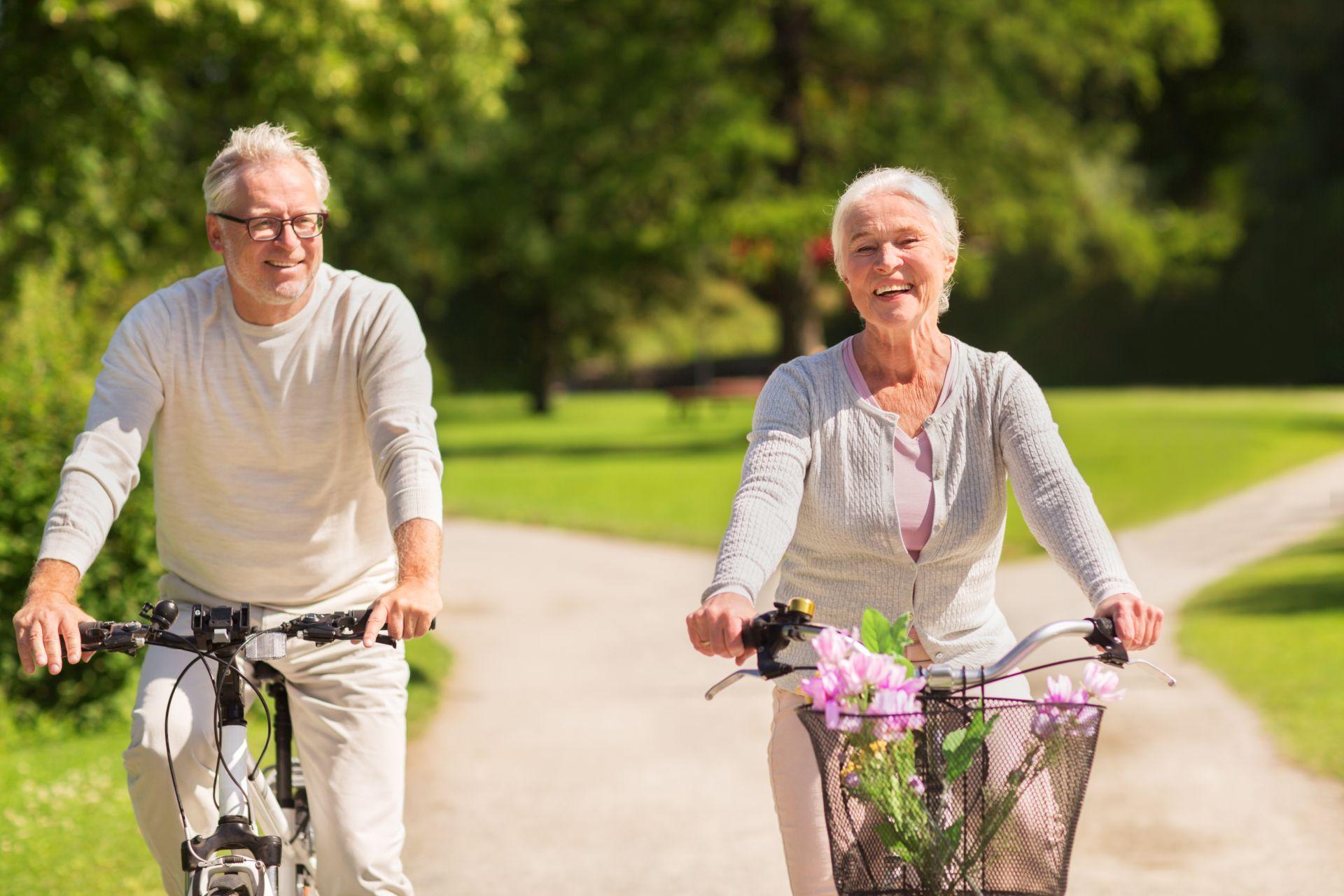 Jak obniżyć cholesterol? Zadbaj o zbilansowaną dietę wzbogaconą sterolami roślinnymi, które wykazują skuteczne obniżanie poziomu cholesterolu i połącz ją ze zdrowym style życia i umiarkowaną aktywność fizyczną.