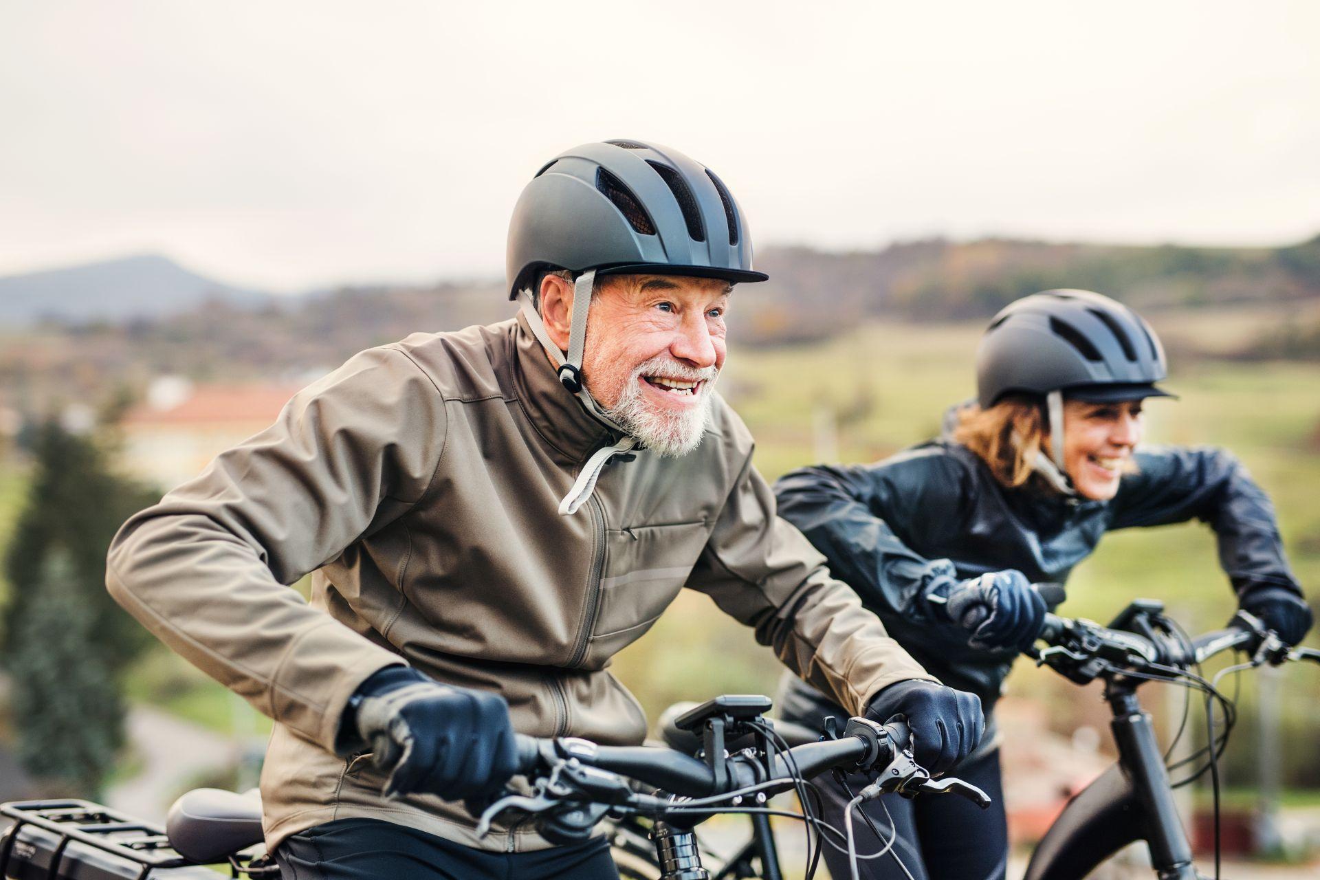 Aktywność fizyczna połączona ze zbilansowaną dietą wspiera dobrą formę psychiczną - zadbaj o regularność i dietę dopasowaną dla kobiet oraz mężczyzn.