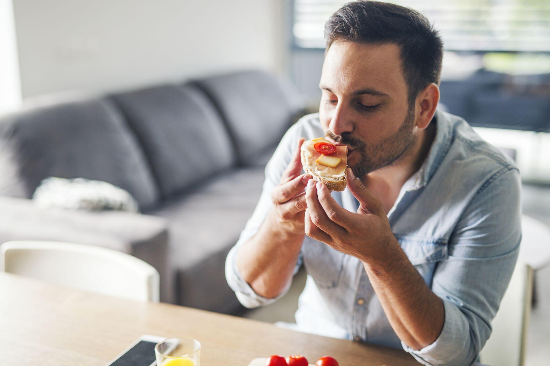 Hiperlipidemia - dieta, przyczyny i objawy - jak ją rozpoznać i leczyć, aby uniknąć farmakoterapii? Postaw na dietę na obniżenie cholesterolu.