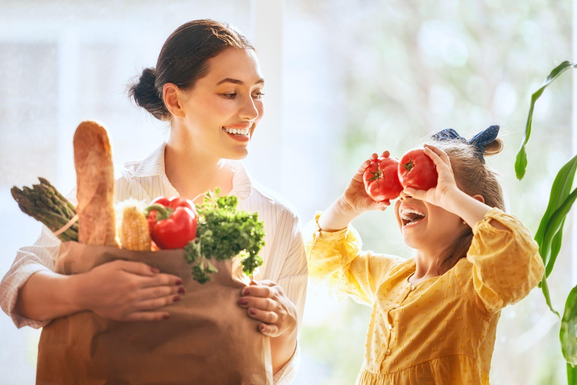 Jakie produkty obniżają cholesterol? Sprawdź, co skutecznie obniża cholesterol i jaką moc mają sterole roślinne, potas, błonnik i polifenole zawarte w warzywach i owocach.