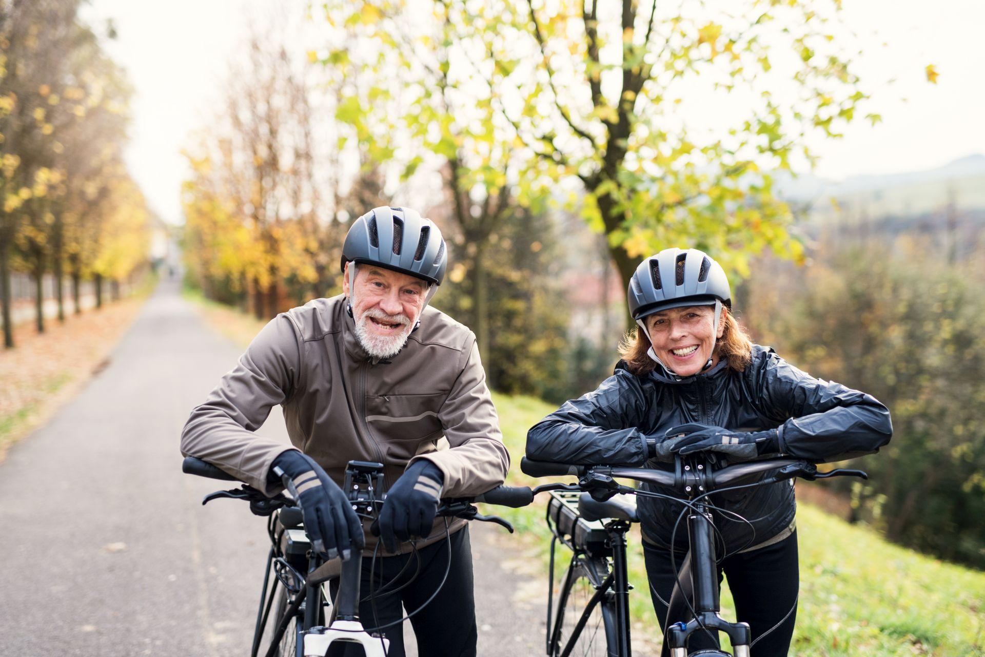 Zmiana stylu życia i dieta przy nadciśnieniu - wybierz umiarkowaną aktywność fizyczną, redukuj stres i masę ciała, aby obniżyć ciśnienie krwi.
