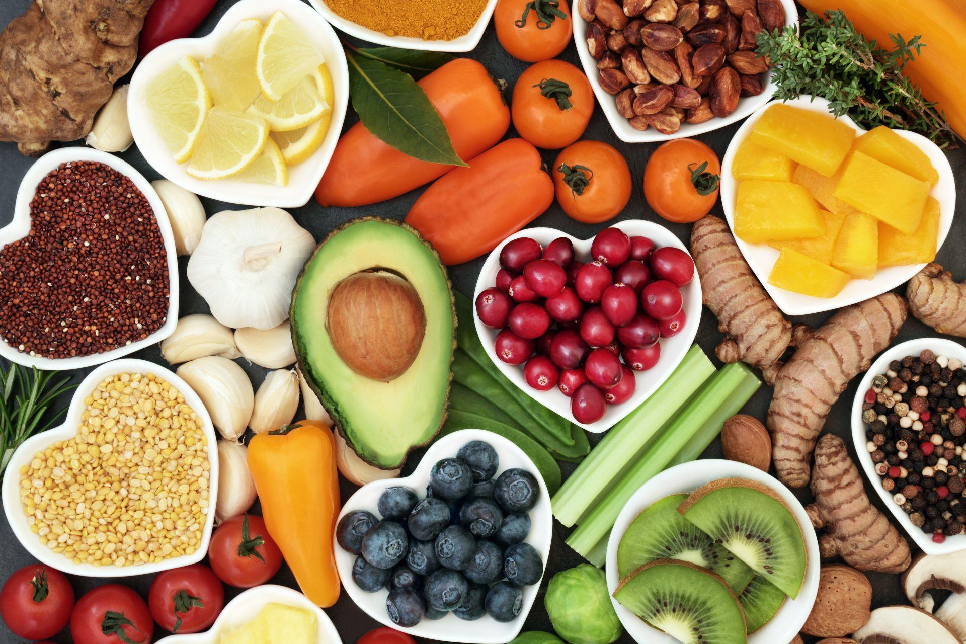 Dieta cholesterolowa oparta na sterolach roślinnych obniżających cholesterol w skuteczny sposób - nawet o 7-10% po 2-3 tygodniach spożywania 1,5-2g dawki dziennie.