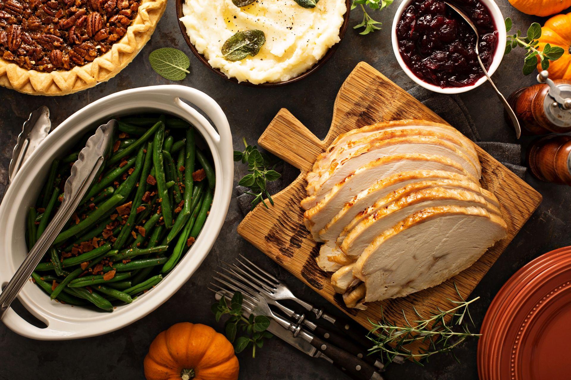 Zdrowe nawyki żywieniowe warto wdrażać nawet w czasie świąt - potrawy wigilijne możesz zmodyfikować, aby zawierały składniki korzystniej wpływające na cholesterol i serce.