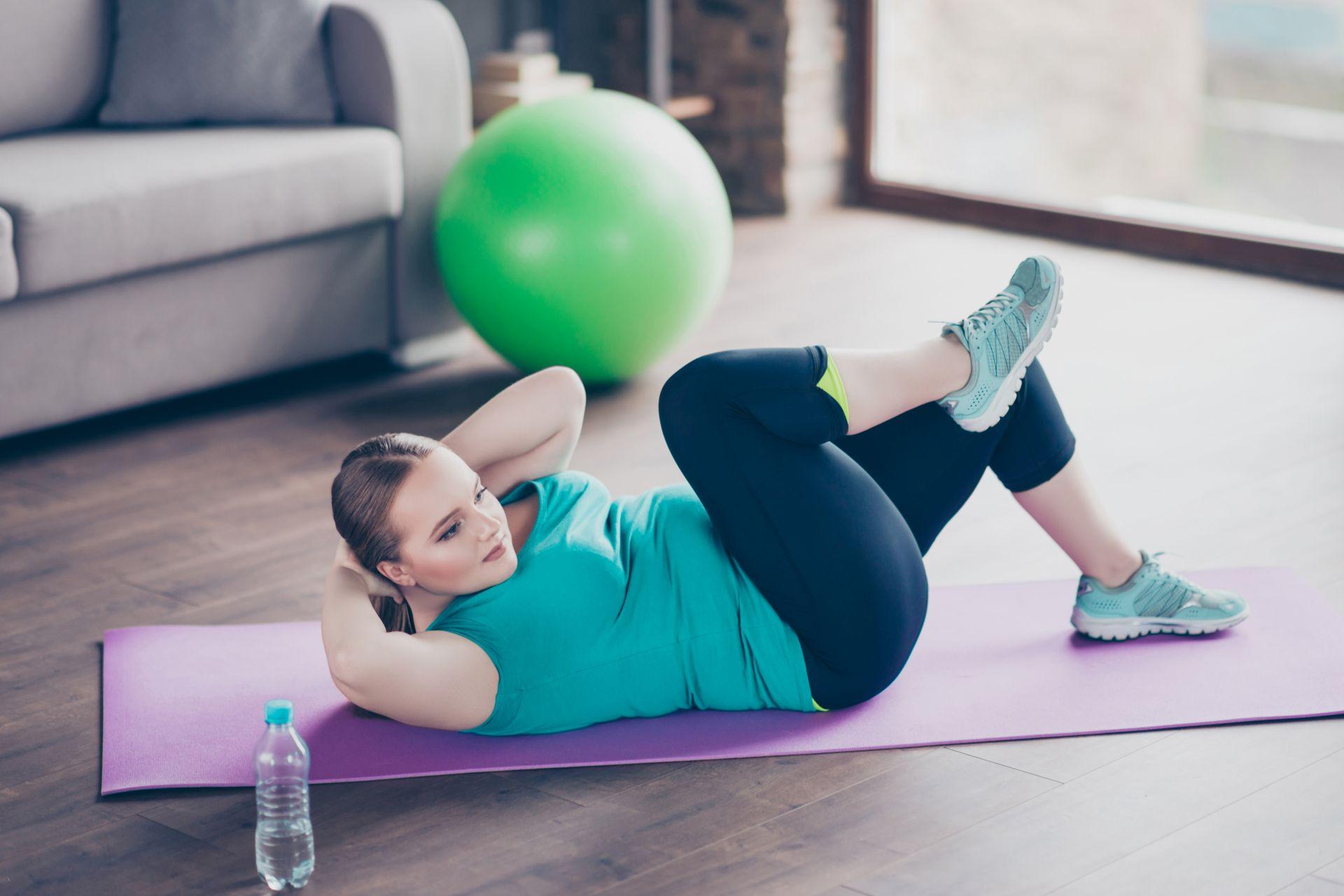Umiarkowana aktywność fizyczna - dlaczego warto zadbać o sprawność ruchową, jakie korzyści zdrowotne przynoszą ćwiczenia dla początkujących bez kondycji i jak motywować się do regularnej aktywności?