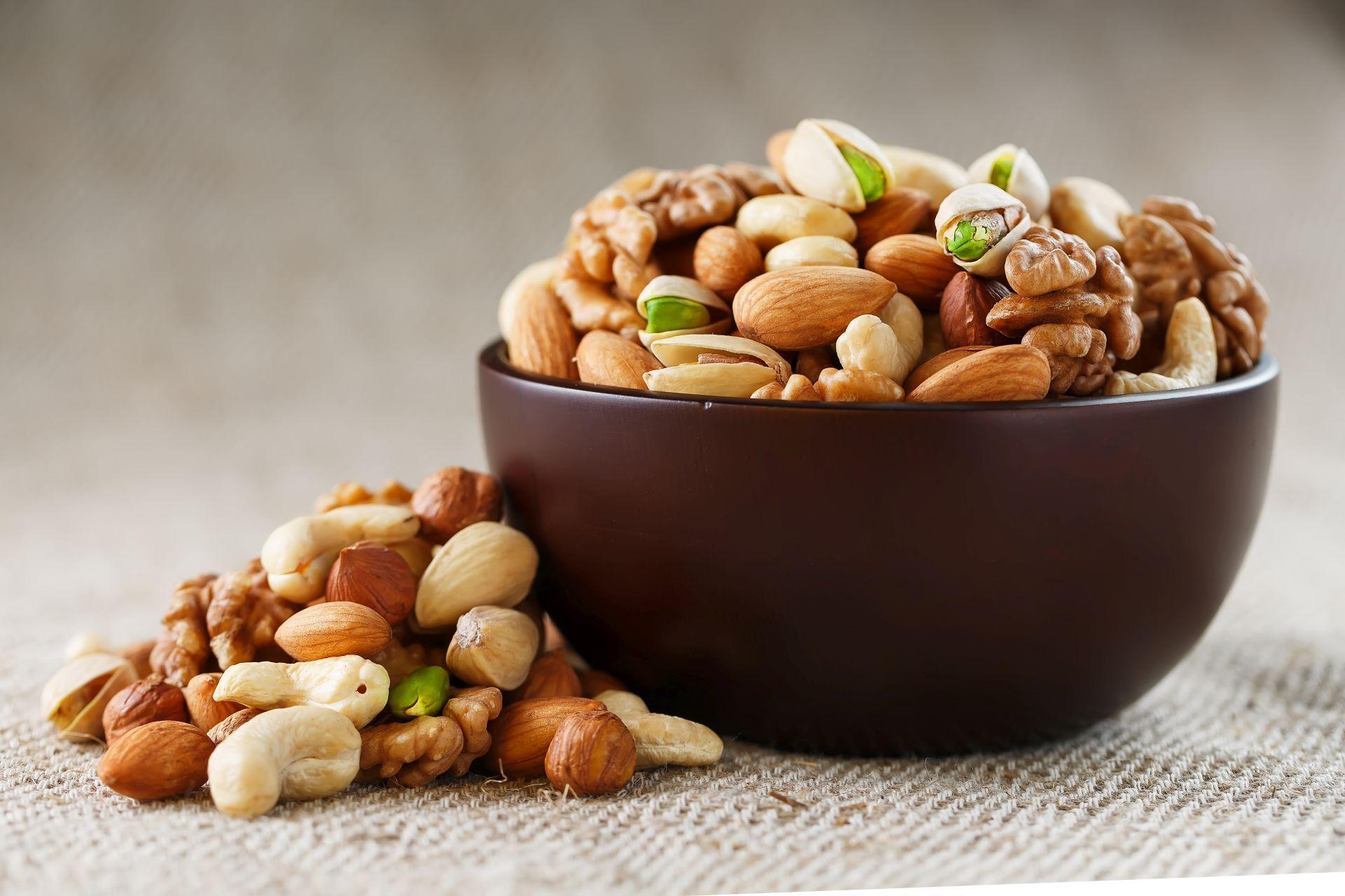 Zdrowa dieta to taka, w której znajdują się wszystkie niezbędne do funkcjonowania organizmu składniki. Jak na co dzień wytrwać w zdrowych nawykach żywieniowych? Sprawdź!
