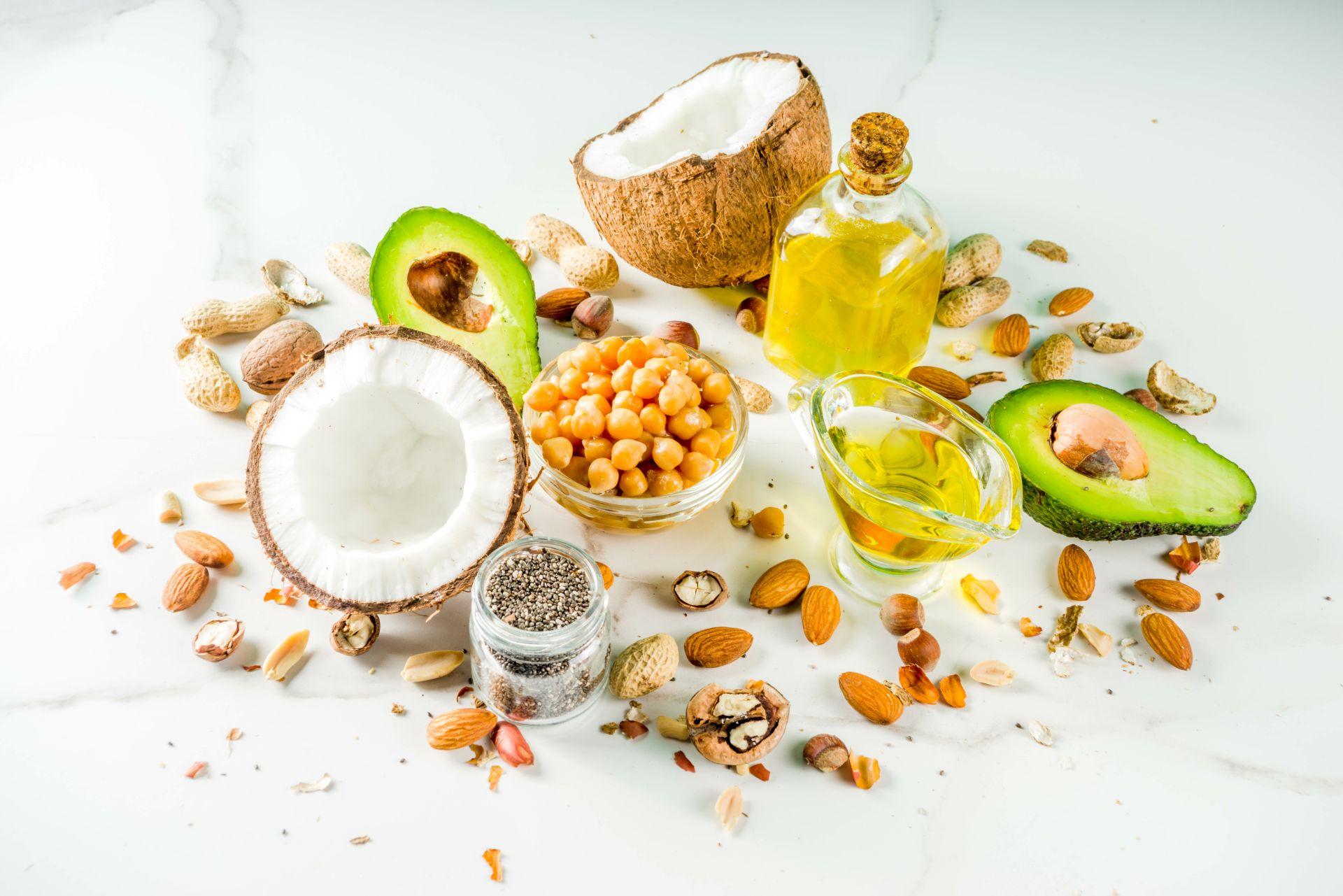 Żywność funkcjonalna w diecie dla seniora - zadbaj o zbilansowany jadłospis oparty na wartościowych składnikach odżywczych wspierających pracę serca, obniżanie cholesterolu i dobrą kondycję fizyczną oraz psychiczną. Połącz dietę i ćwiczenia dla osób starszych i ciesz się zdrowiem!